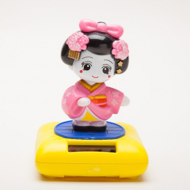Pink Solar Figurine Japanese Maiko-chan